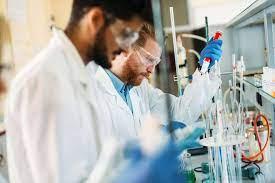 Devenir ingénieur spécialisé en chimie verte : formations, débouchés,  salaire...