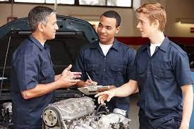 Les avantages à se lancer dans une carrière de mécanicien automobile en 2019