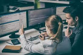 Programmeur analyste vs développeur web : quelle est la différence?