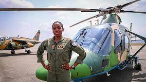 Nigeria : la première femme pilote d'hélicoptère de combat inhumée le 23  juillet   Africanews